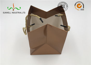 China Printed Custom Made Cardboard Shopping Bags , Paper Gift Bags Easily Folding supplier